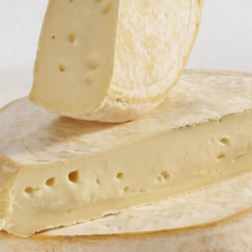 Сыр Реблошон полутвердый