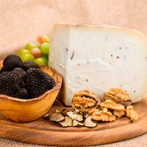 Сыр козий с черным трюфелем