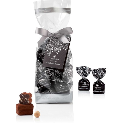 Трюфели из черного шоколада с пьемонтским орехом